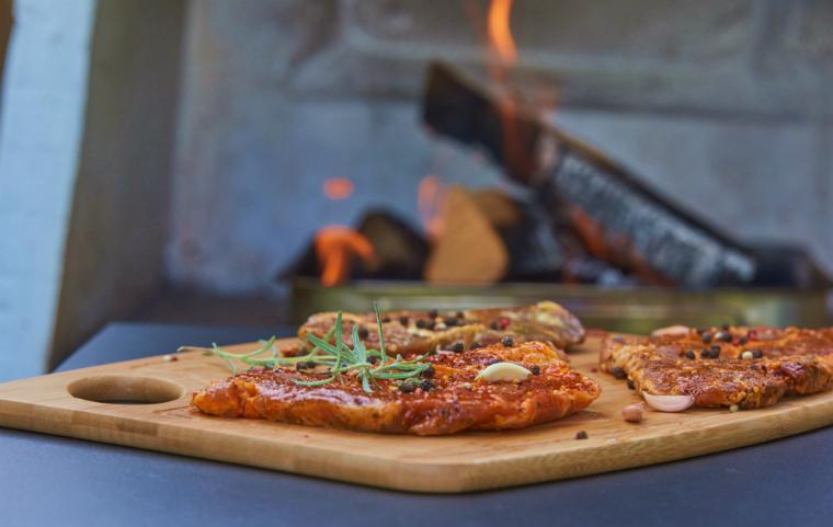 窯の違いは味に出る! ピザ窯の種類とその違いとは?