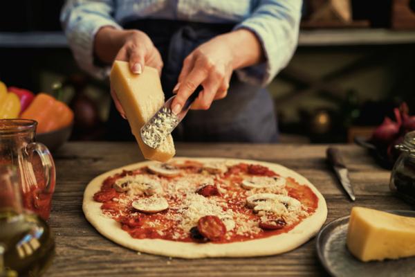 ピザ屋の開業をお考えの方! 開業のポイントやおすすめの窯をご紹介