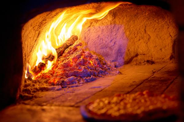 設計次第で違いが出る! ピザ窯のサイズにおける重要なポイント