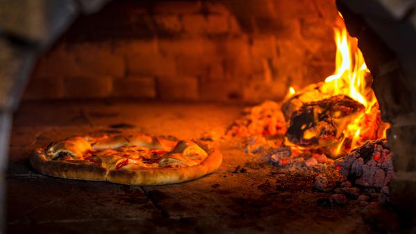 焼き上がりに違いがある!世界のピザ窯メーカーの特徴とは