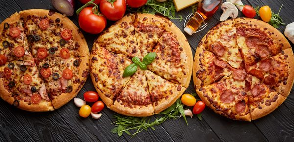 タイトル「同じピザでも全然違う!日本のピザの特徴や他の国との違いを分析!」