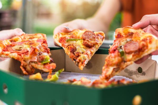 「日本のピザは高い?安く提供するためのポイントをご紹介します」